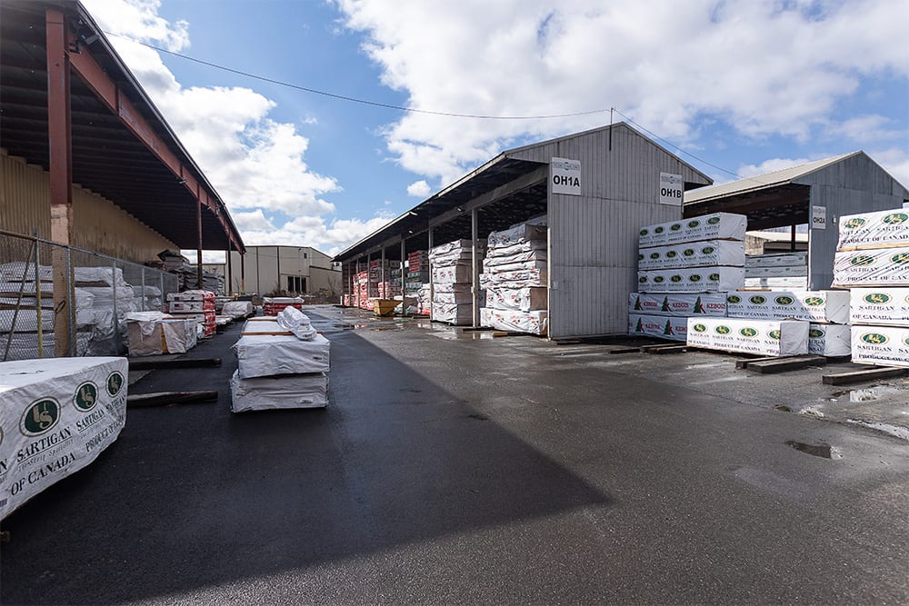 Russin Building Materials Distributor | Lumber Distributor New York | Lumber Distributor New England | Outdoor Lumber Yard New York